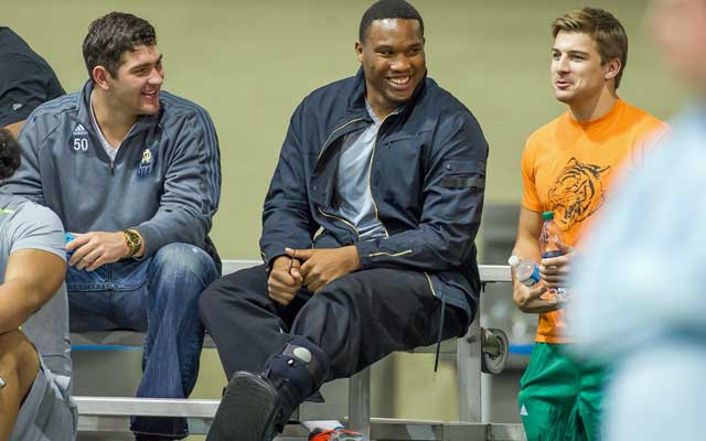 Stephon Tuitt had to sit out his Notre Dame pro day. (USATSI)
