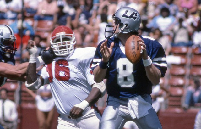 Here's Steve Young slinging passes for the USFL's LA Express. (USATSI)