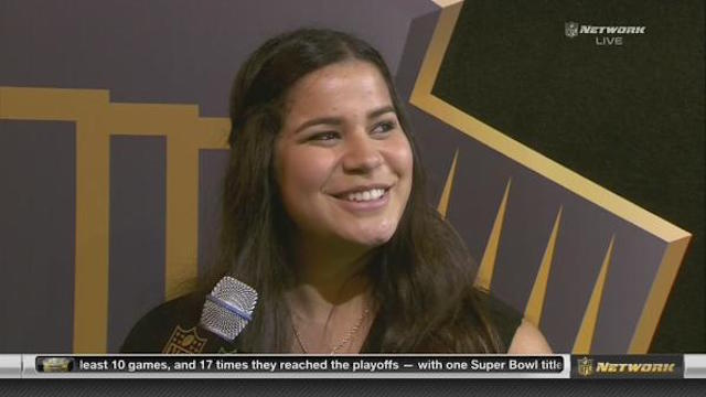 Sydney Seau gave a touching speech about her dad on Saturday. (NFLN)