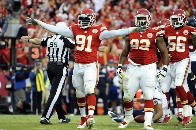 Tamba Hali [91] might want to change his number to 85 because he leaves 85 percent tips. (USATSI)