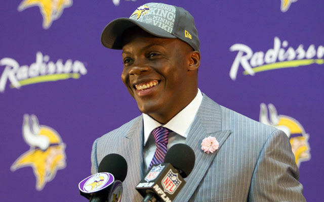Teddy Bridgewater signed his rookie deal with the Vikings Tuesday.