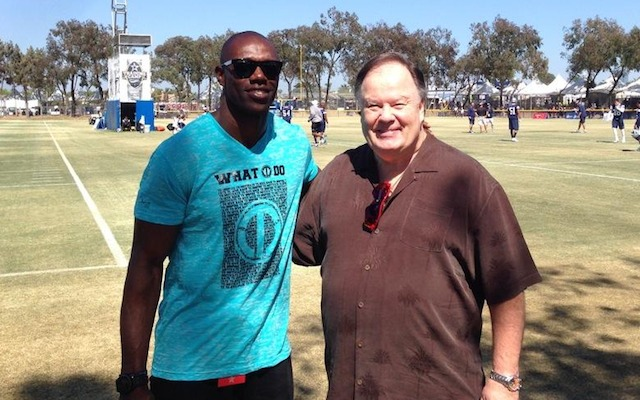 Terrell Owens and Dennis Hasksins showed up at Cowboys training camp. (Twitter/@DallasCowboys)