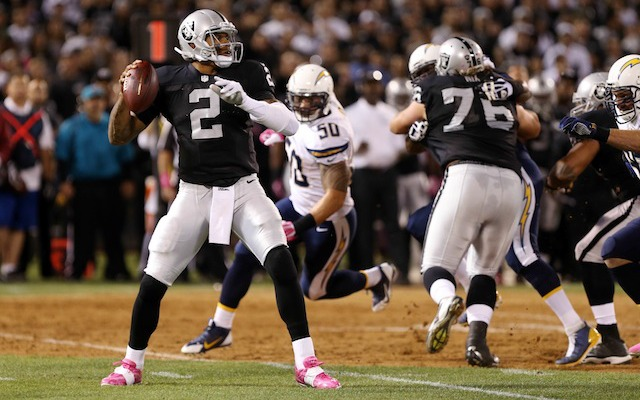 Terrelle Pryor and the Raiders weren't fazed by a first half earthquake. (USATSI)