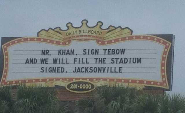 Some fans really want to see Tim Tebow in Jacksonville. (Twitter)