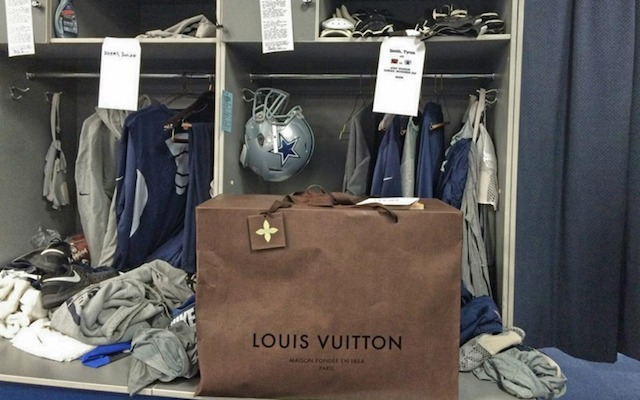 The Cowboys linemen have some nice new travel bags thanks to Tony Romo. (Twitter/@DesmondPurnell)