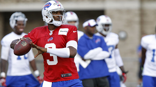 Should E.J. Manuel be the favorite to win the Bills job? (USATSI)