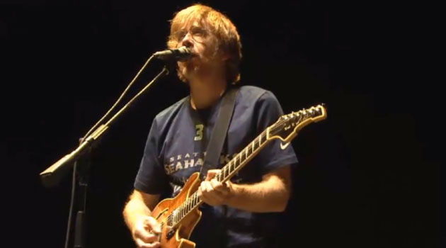 Trey Anastasio rocked a Russell Wilson t-shirt during Phish's concert Friday. (LivePhish.com)