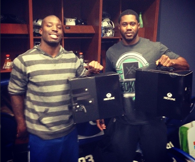 Vontae Davis and Darrius Heyward-Bey pose with their XBox Ones. (Instagram)