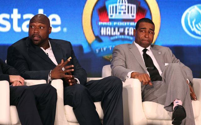Warren Sapp and Cris Carter spoke to NFL rookies.
