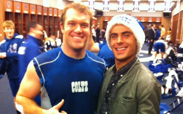Despite what this picture seems to say, Zac Efron is not a Colts fan. (Twitter/MattOverton_LS)