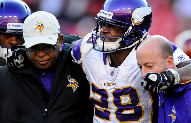 A. Peterson might have torn his ACL (Getty).