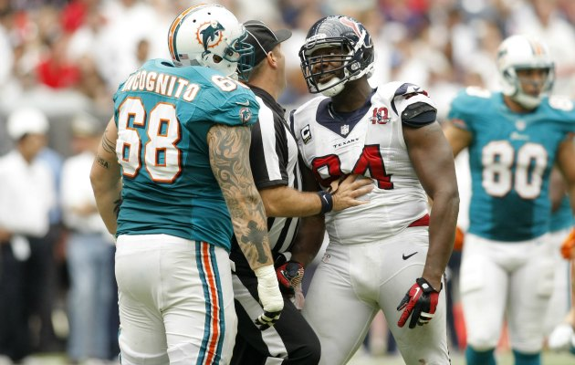 Antonio Smith said he's let go of his bad feelings toward Richie Incognito. (USATSI)