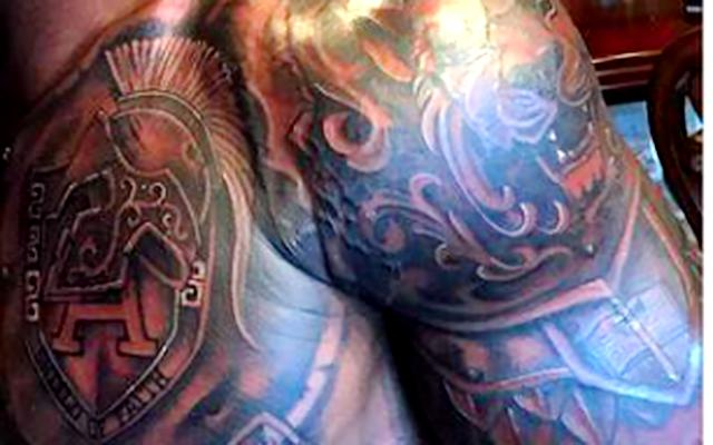 Look adrian peterson shows off new 39 armor of god 39 tattoo for Armour of god tattoo