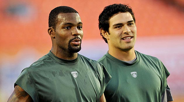 Once again, Braylon Edwards will attempt to catch passes from Mark Sanchez. (USATSI)