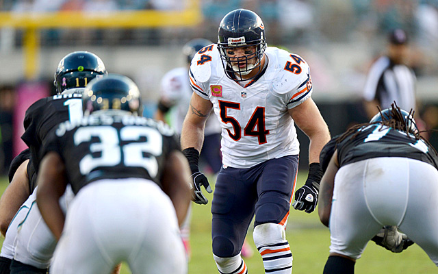 The retired Brian Urlacher has been working on his golf game. (USATSI)