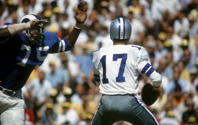 Watch out Dallas quarterback Don Meredith! Deacon is after you. (Getty Images)