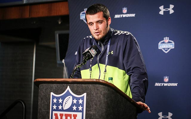 When will Derek Carr come off the draft board? (USATSI)