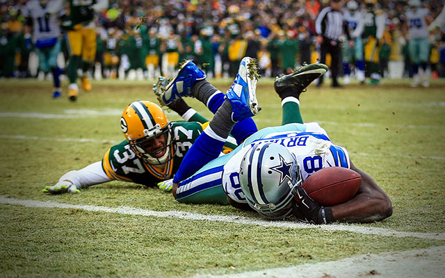 Referee Explains Why Dez Bryant S Catch Was Ruled Incomplete