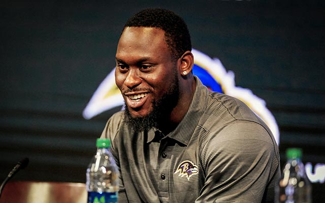Ravens safety Matt Elam works part time at the mall. (USATSI)