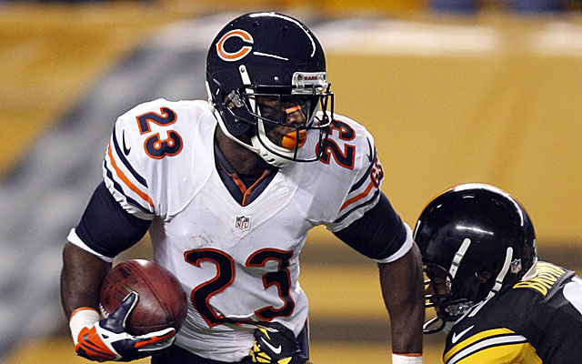 Devin Hester signed a three-year deal with the Falcons Thursday.