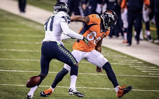 Demaryius Thomas fumbles in the 3rd quarter after a 23-yard reception. (USATSI)