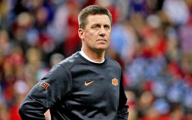 Mike Gundy led Oklahoma State to a 10-3 record in 2015. (USATSI)