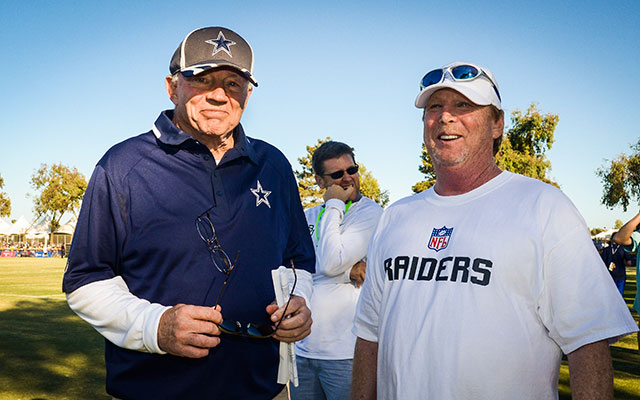 Jerry Jones is now being compared to Mark Davis' father. (USATSI)