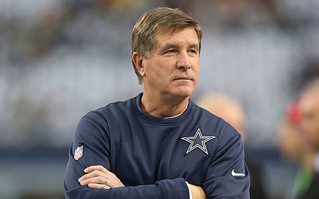 Bill Callahan will keep calling plays for the Cowboys, a task he took over in 2013.