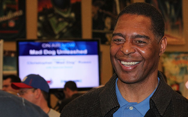 Marcus Allen thinks the Raiders should leave Oakland. (USATSI)
