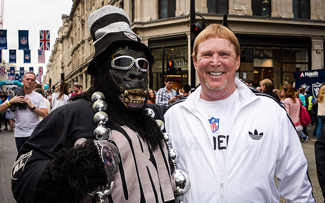 Mark Davis is keeping the Raiders in Oakland for another year. (USATSI)