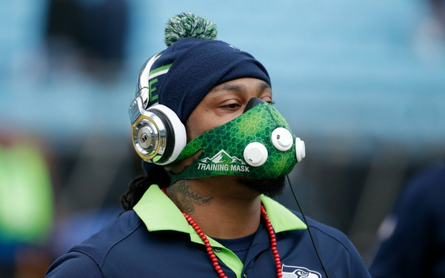 Marshawn Lynch Retires >> Marshawn Lynch apparently retires in the middle of Super