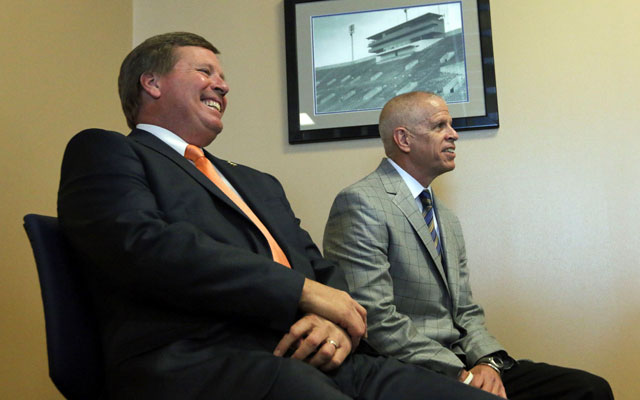 Jim McElwain needs to be a home run hire for Florida AD Jeremy Foley. (USATSI)