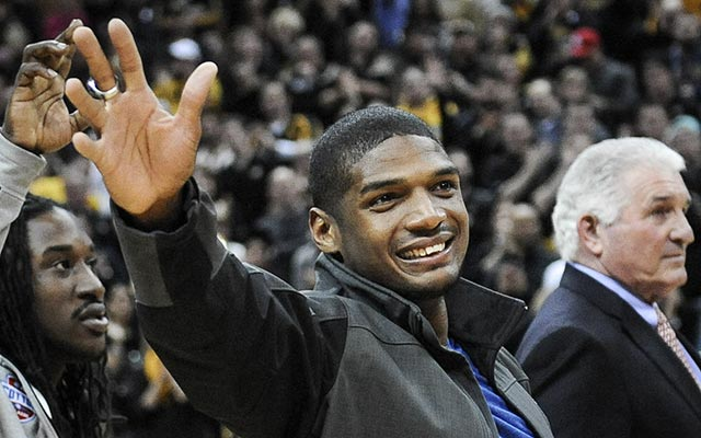Michael Sam gets a standing ovation at a Missouri basketball game. (USATSI)