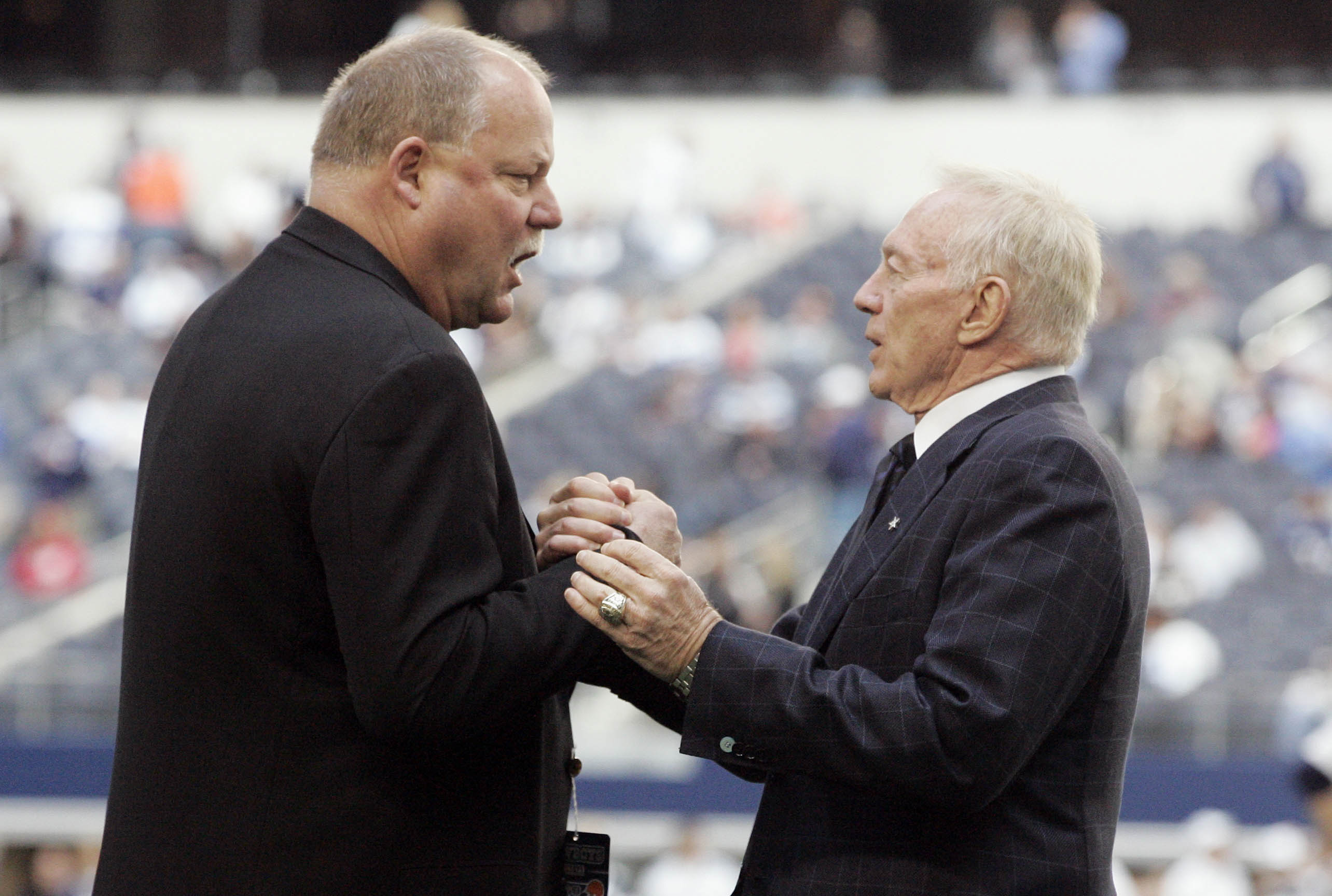 Could Mike Holmgren be the next coach of the Cowboys? (USATSI)