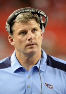 Mike Munchak hasn't committed to keeping Mike Heimerdinger on Tennessee's staff (Getty).
