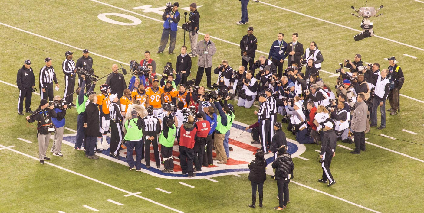 Here's the scene during the coin toss. Click to enlarge. (Ryan Wilson, CBSSports.com)