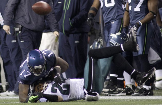 N. Asomugha injured himself on this play (AP).
