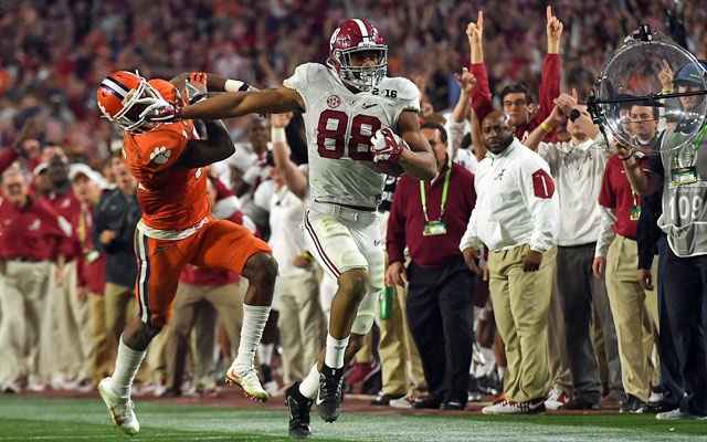 O.J. Howard beasted in the College Football Playoff. (USATSI)