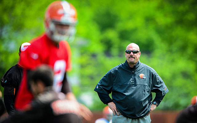 Coach Mike Pettine says any QB competitions won't begin until training camp. (USATSI)