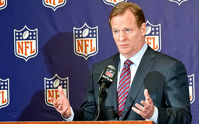 Roger Goodell wants teams in 'both' Los Angeles and London.