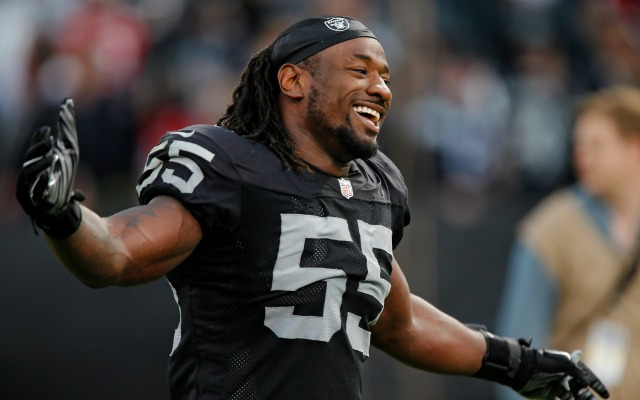 Raiders LB Sio Moore will give out jerseys because they aren't in ...