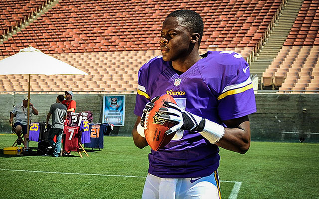 Don't ever expect Teddy Bridgewater to take the field without gloves. (USATSI)