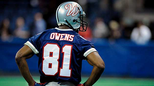 sports shoes 5eb7b 010fa Terrell Owens impressive in workout, agrees to terms with ...