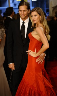 Gisele Bundchen is praying for her husband (US Presswire).