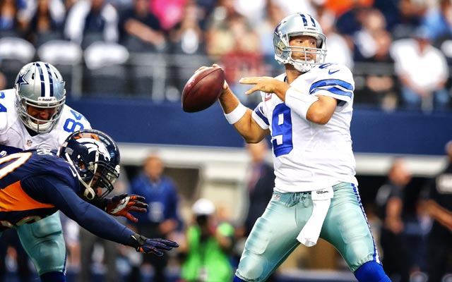 cowboys qb tony romo throws for 506 yards in loss to