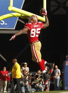 V. Davis caught the game-winning pass to send San Francisco to the NFC title game (US Presswire).