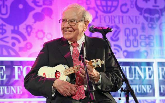 Warren Buffett will play you a tune, but you're not getting his billion. (Getty Images)