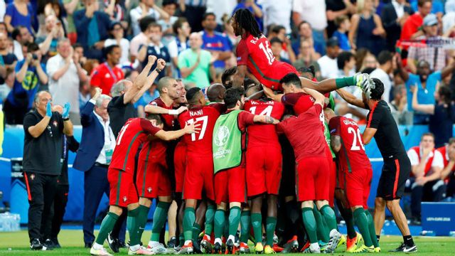 Portugal overcomes Ronaldo injury to defeat France in Euro 2016 final