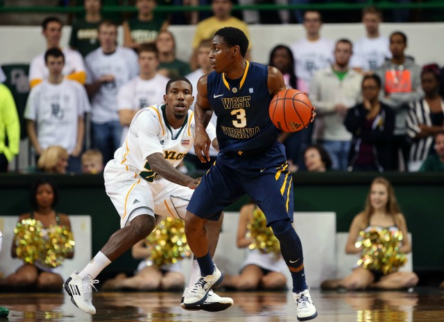 West Virginia point guard Juwan Staten will assume a leadership role in 2013-14.(USATSI)