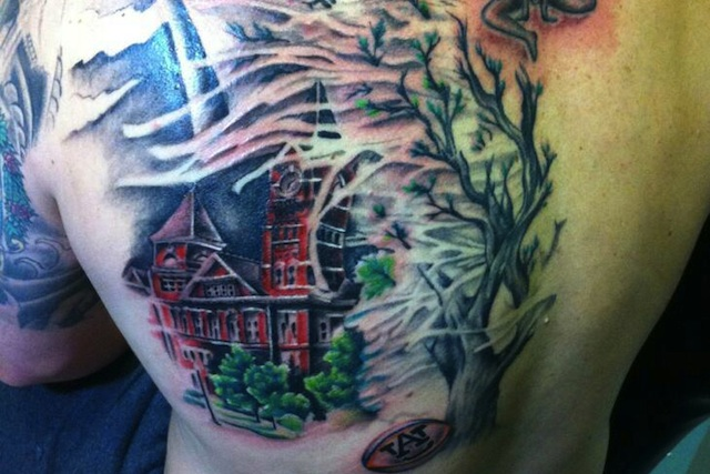Giancarlo Guida endured 12 hours of ink work for his Toomer's Corner tattoo. (The War Eagle Reader)